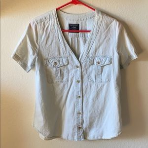 Abercrombie & Fitch Light Denim V neck Shirt